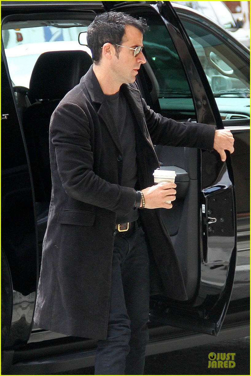 justin theroux medical center 06