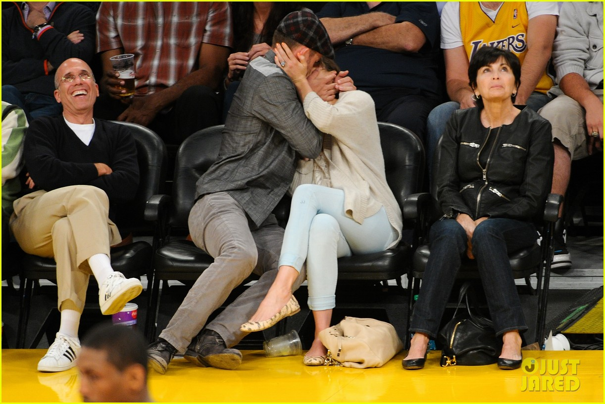 justin timberlake jessica biel lakers game 02