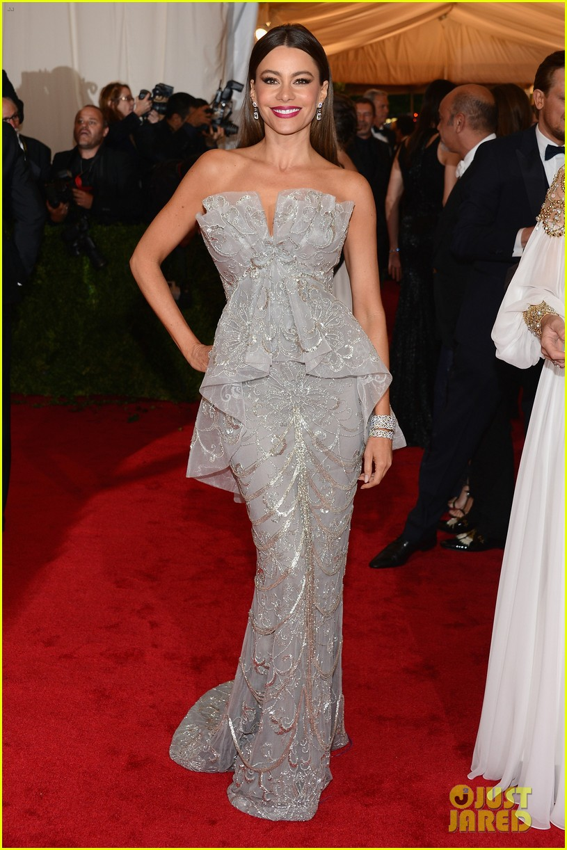 sofia vergara met ball 2012 01
