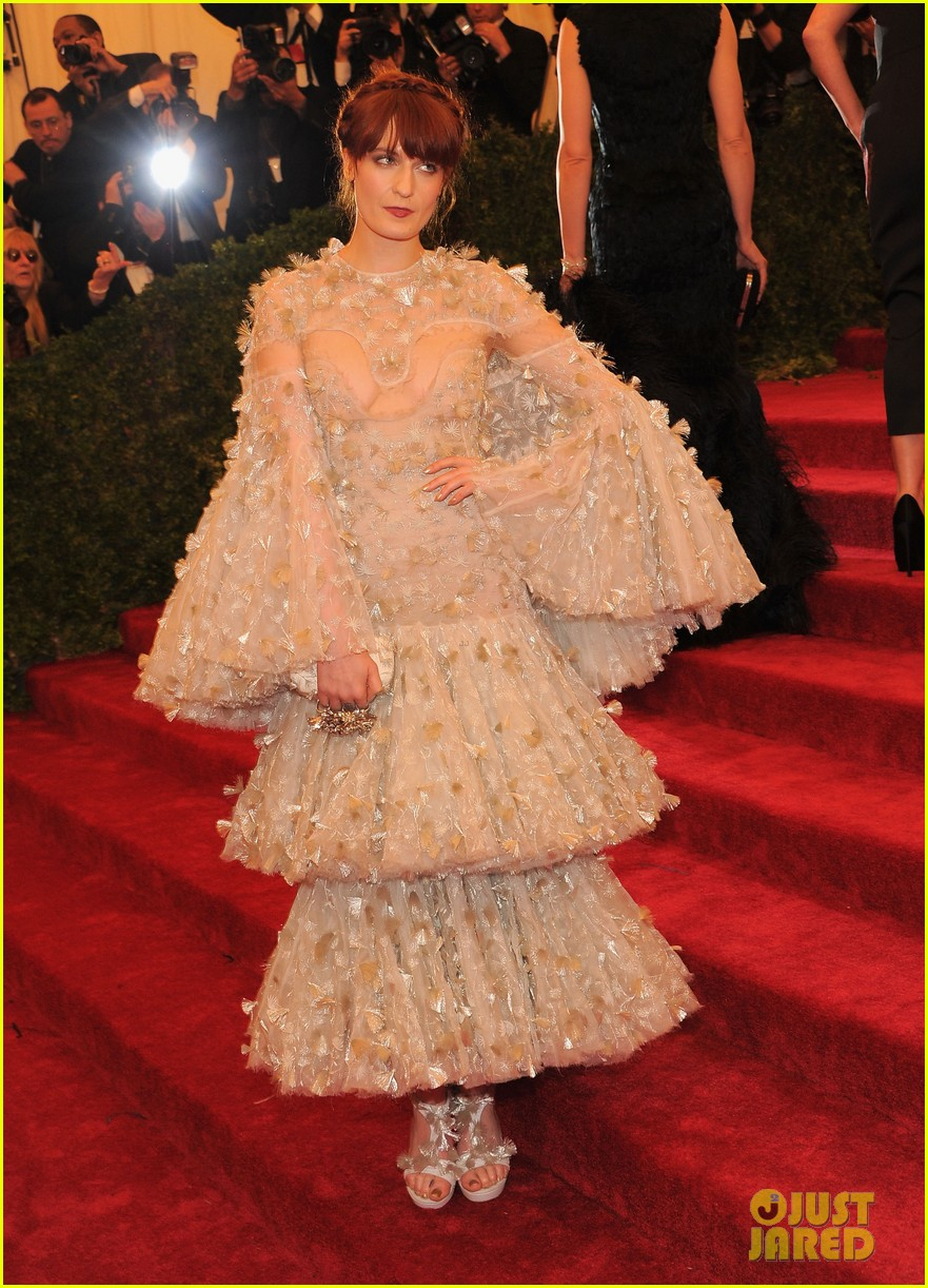 florence welch 2012 met ball 01