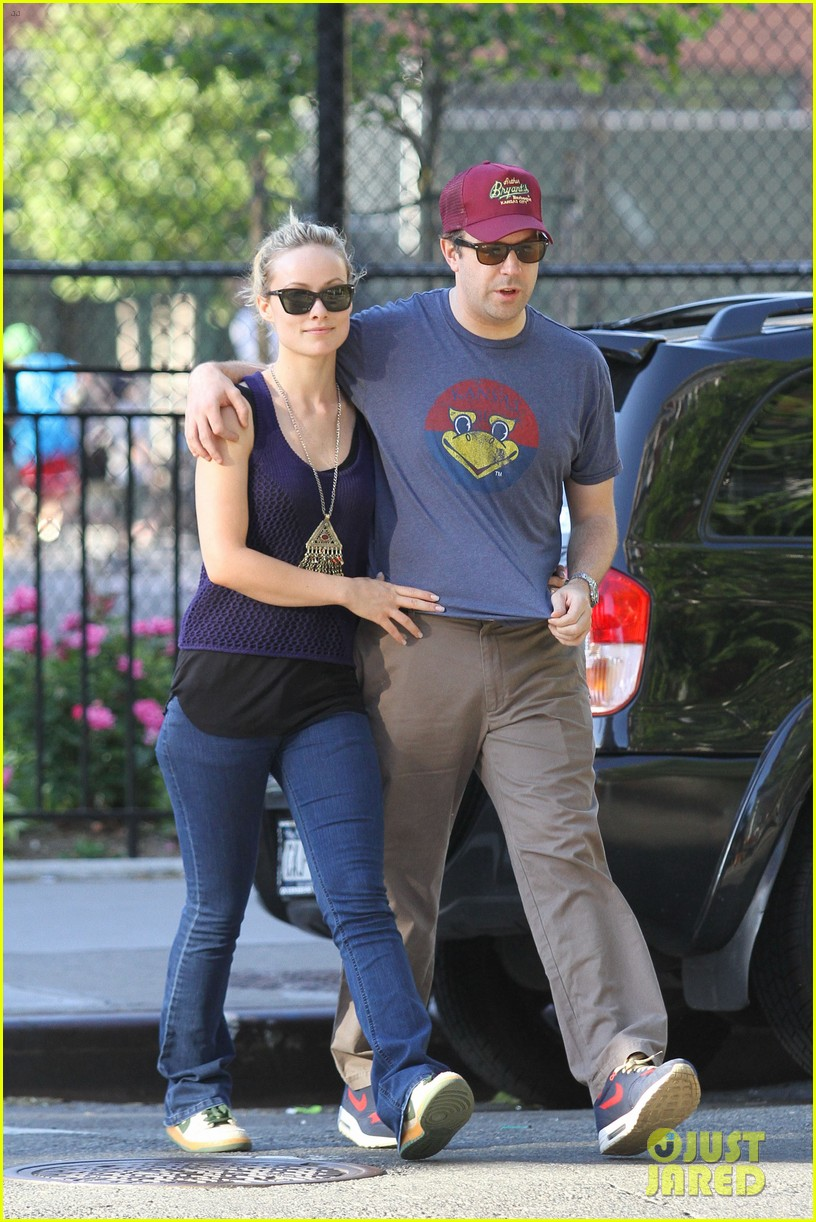 olivia wilde jason sudeikis basketball 05