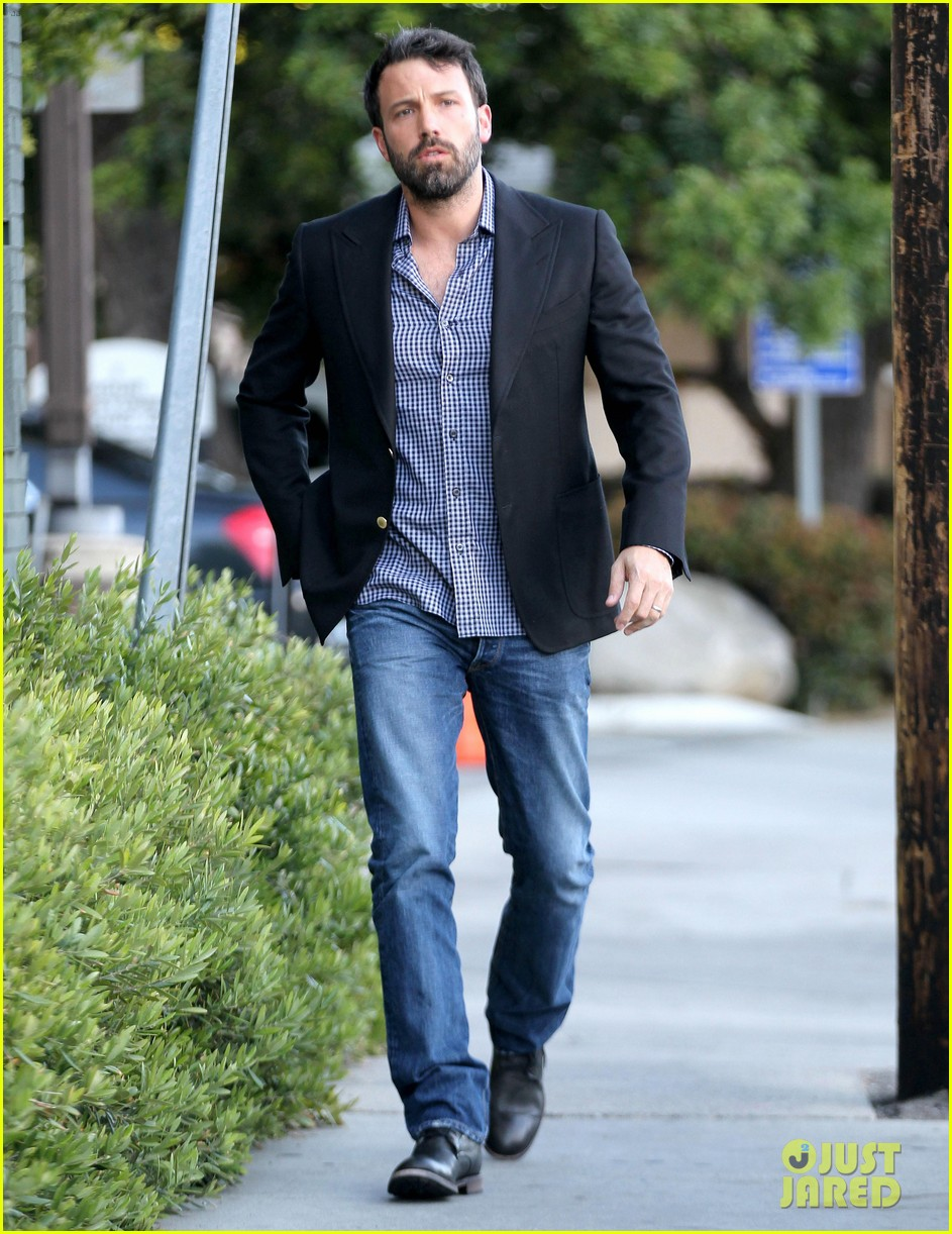 ben affleck solo stroll on anniversary 032681333