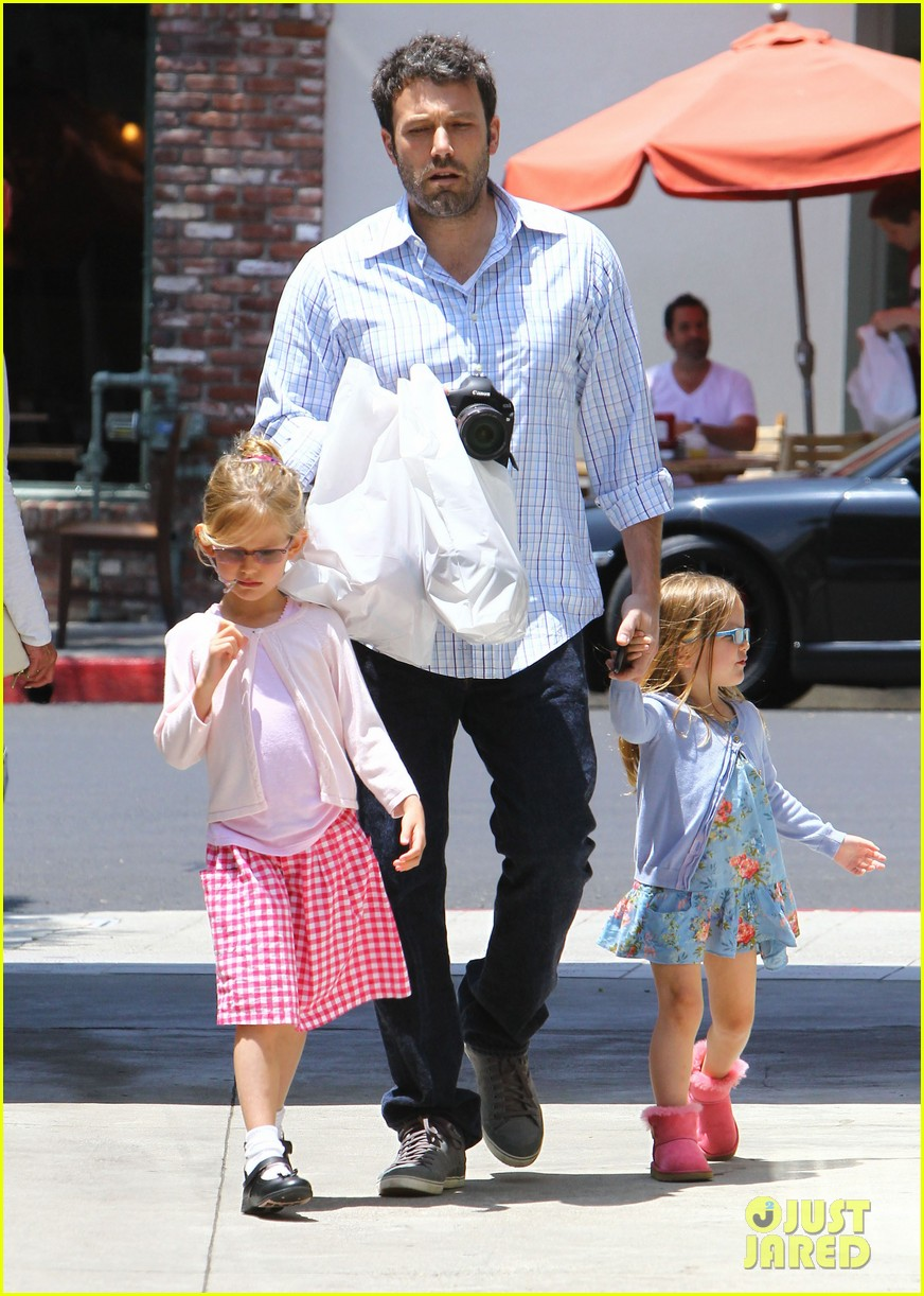 garner affleck family time 092670034