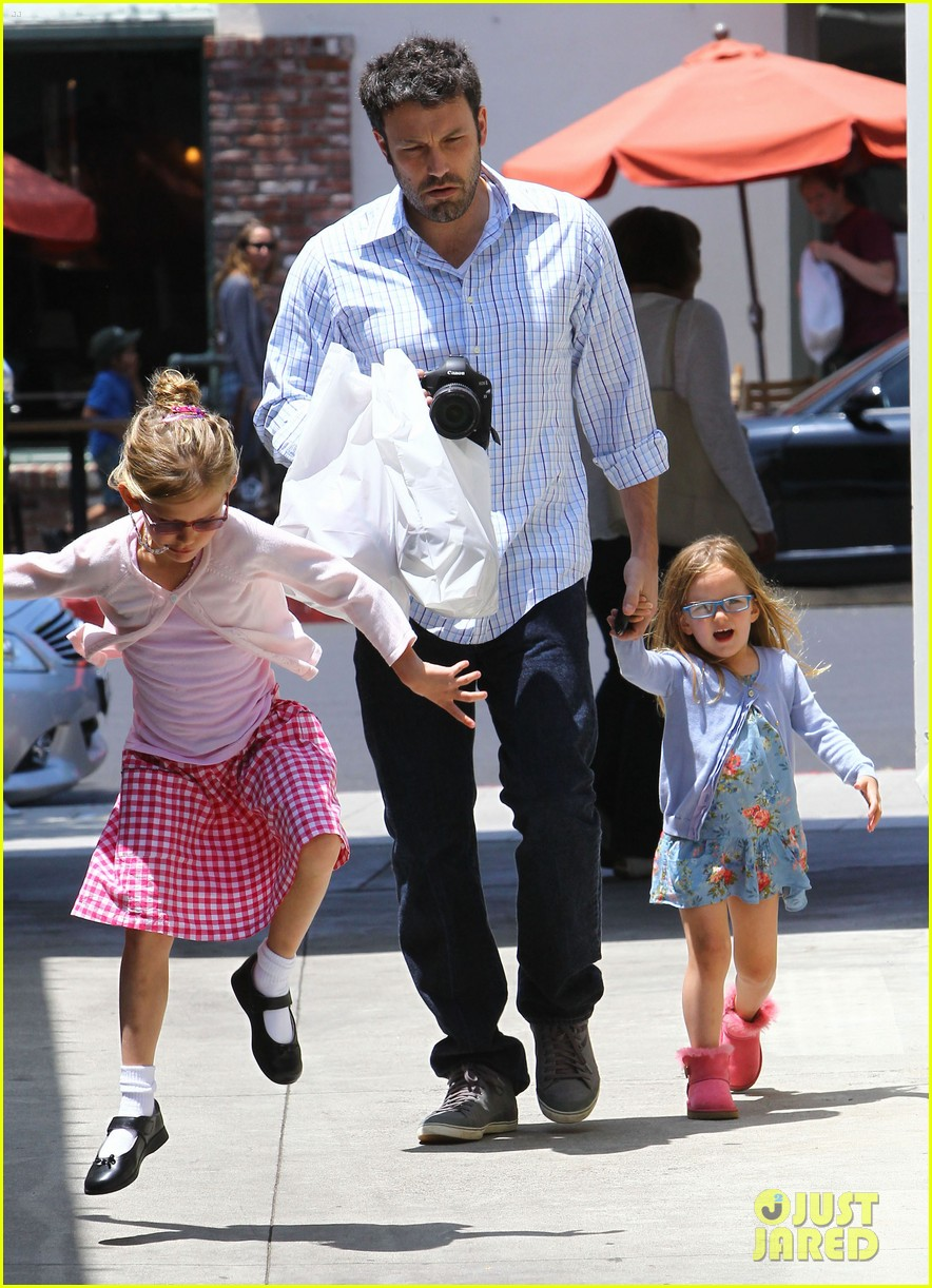 garner affleck family time 10