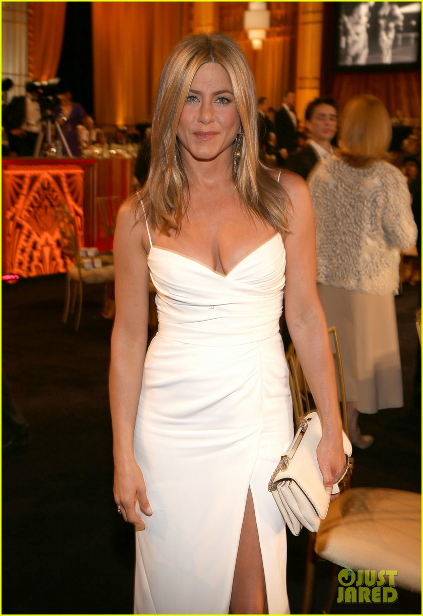 jennifer aniston afi award ceremony for shirley maclaine 02
