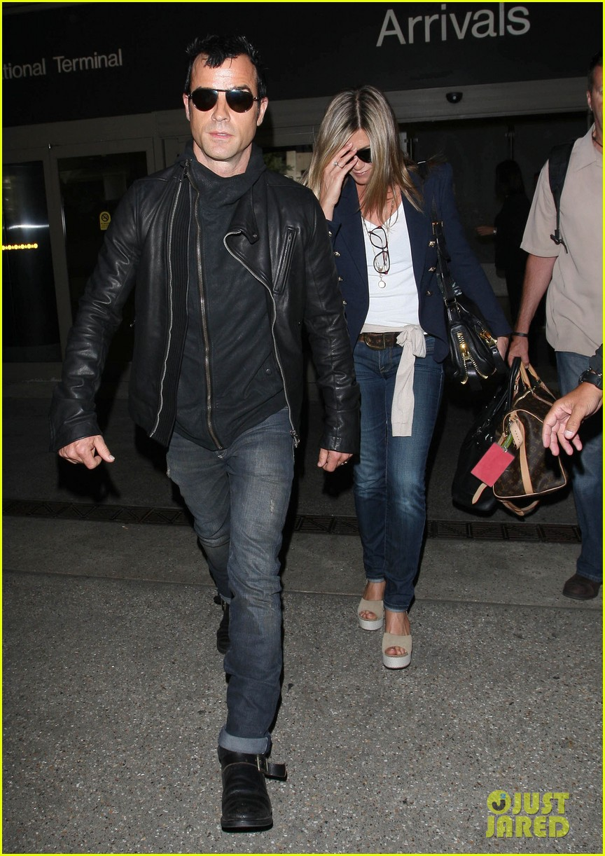 jennifer aniston justin theroux lax airport 13