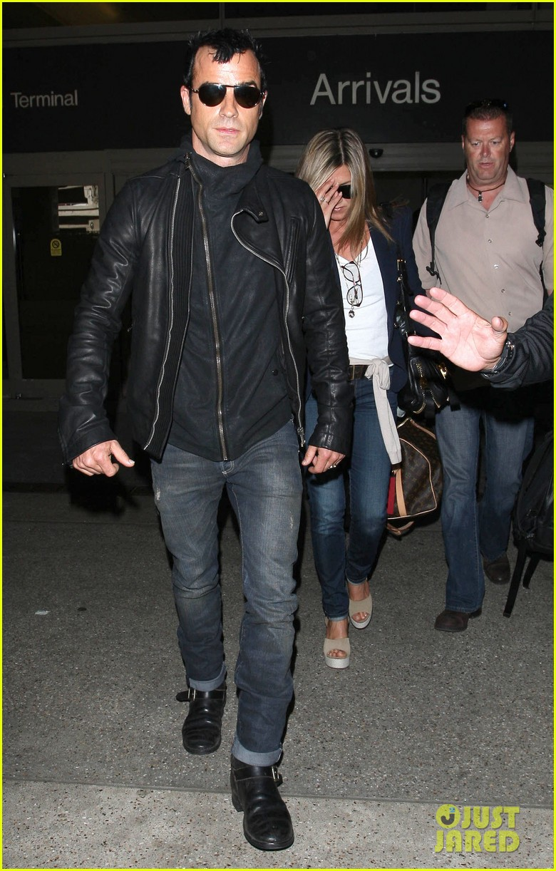 jennifer aniston justin theroux lax airport 17