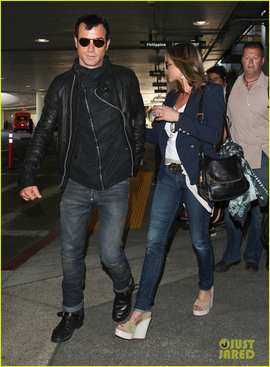 jennifer aniston justin theroux lax airport 22