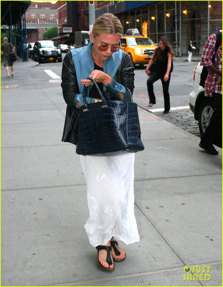 ashley olsen nyc stroll 03