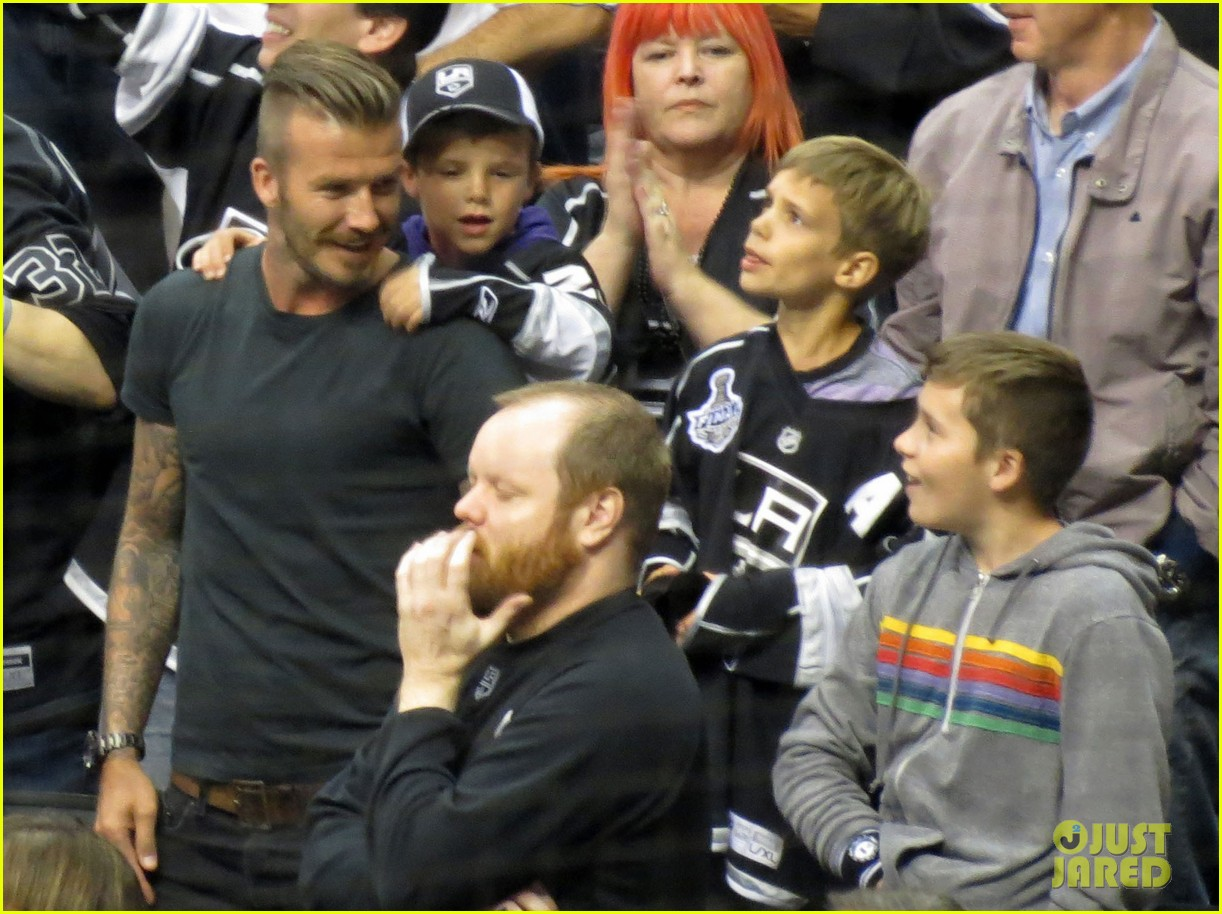beckham boys at the stanley cup 15