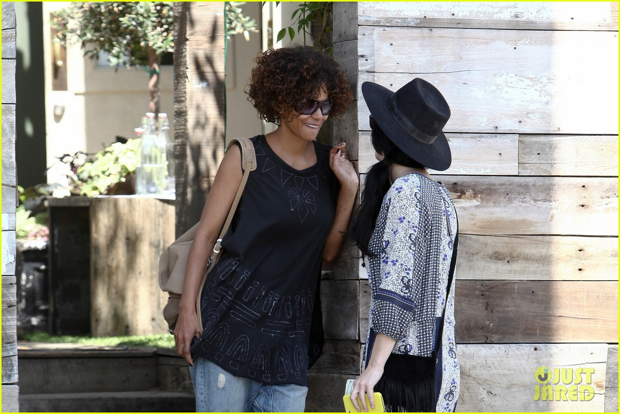 halle berry eveleigh lunch 03