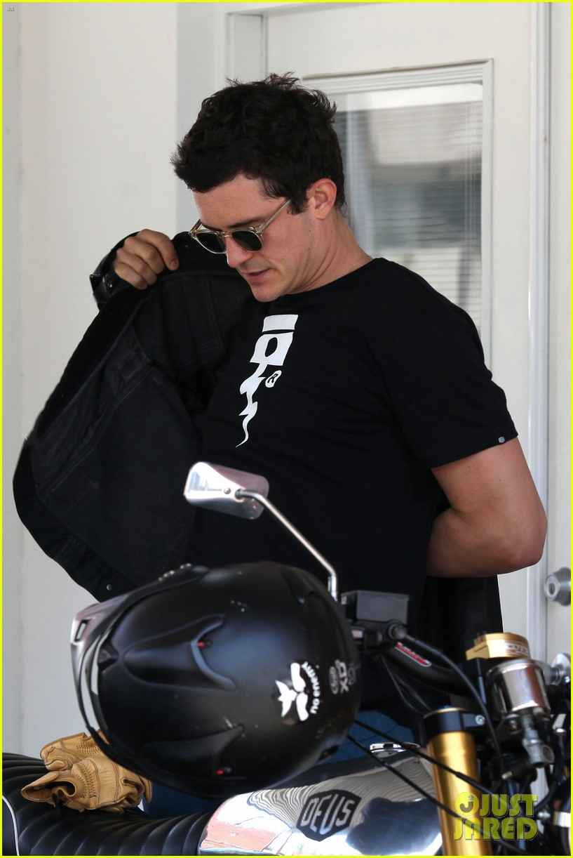 orlando bloom biker boy in beverly hills 03