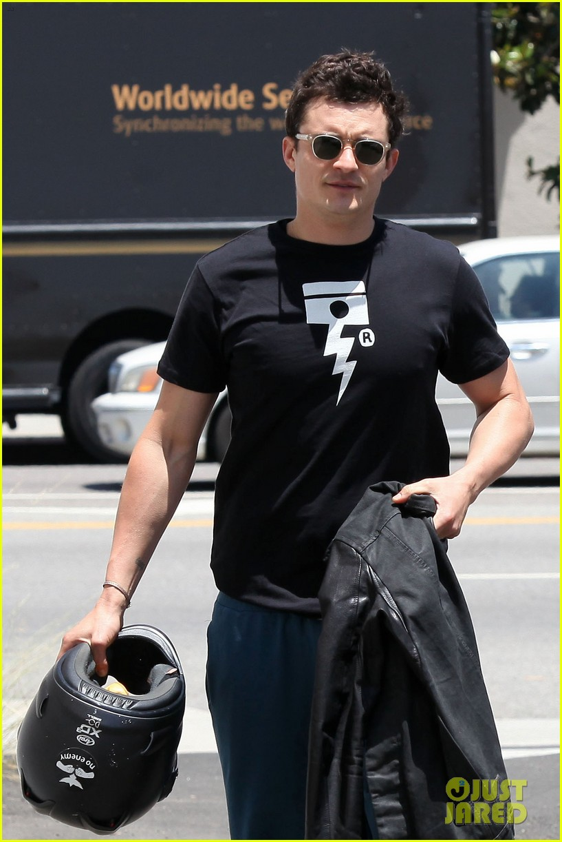 orlando bloom biker boy in beverly hills 12