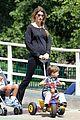 gisele bundchen pregnant stroll with benjamin 01