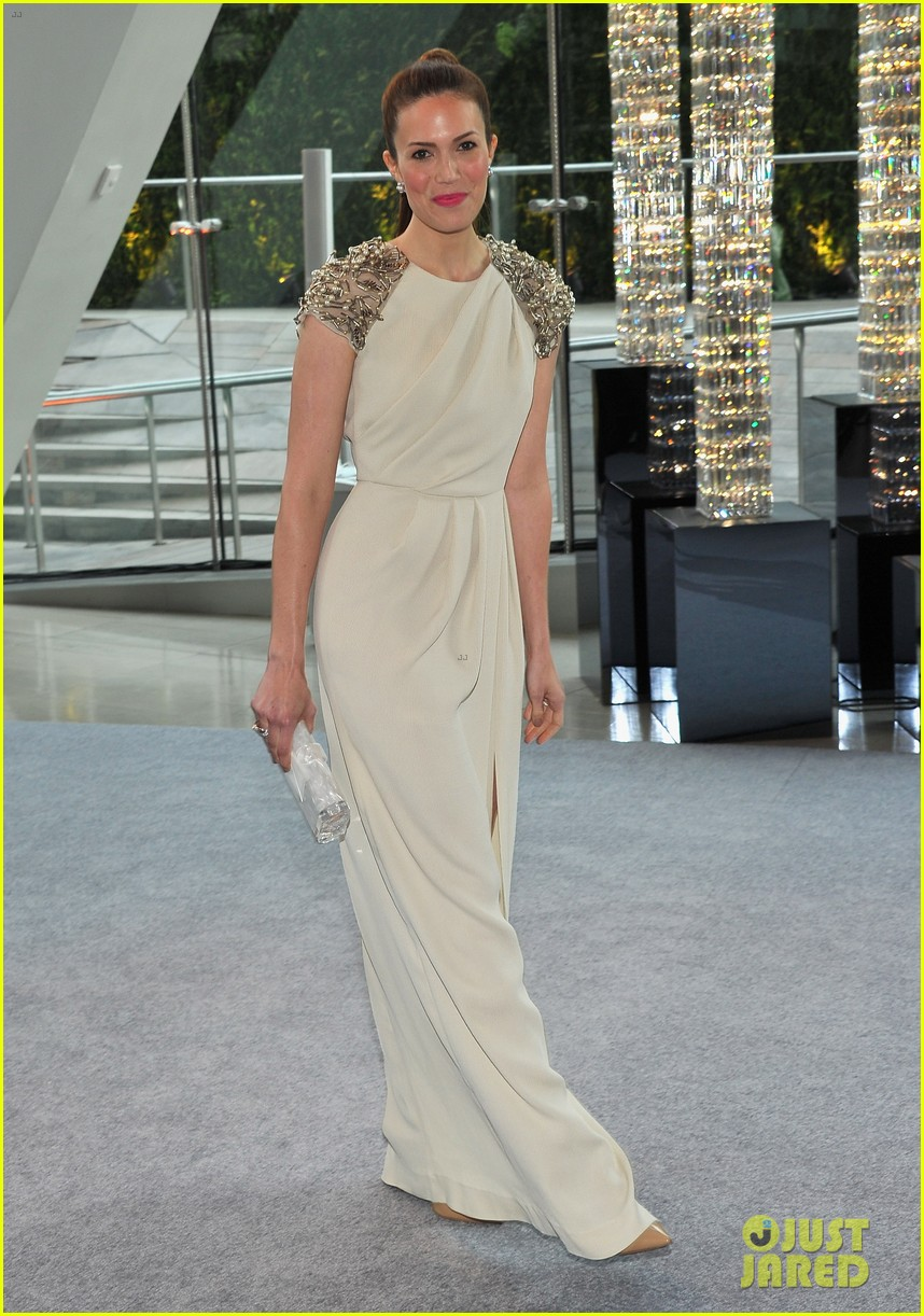 sophia bush mandy moore cfda fashion awards 2012 05