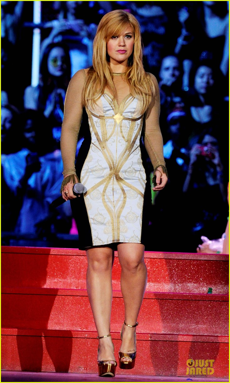kelly clarkson much music video awards 02