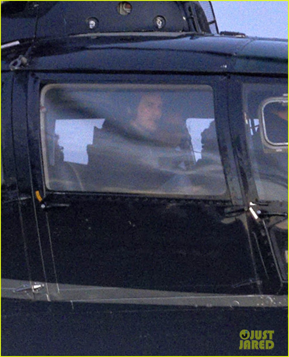 tom cruise post divorce announcement helicopter ride 03