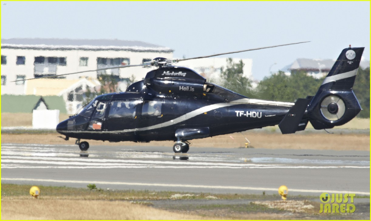 tom cruise post divorce announcement helicopter ride 12