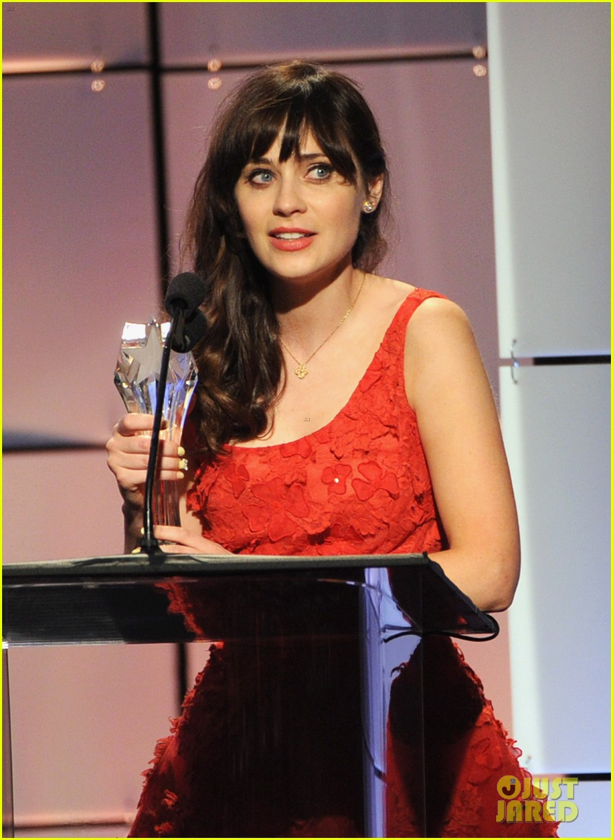 zooey deschanel critics choice television awards 2012 09