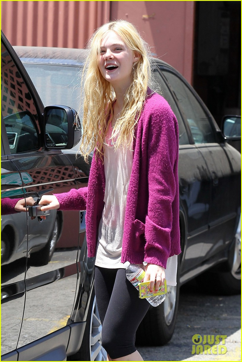 elle dakota fanning casual weekend 14