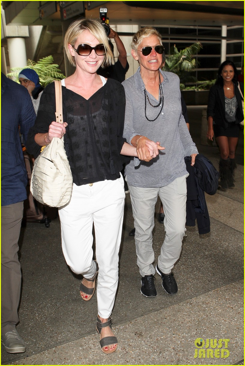 ellen and portia lax arrival 03