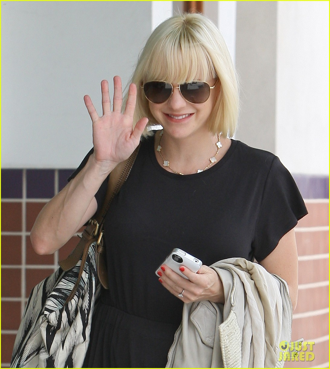 anna faris lunch with pal 02