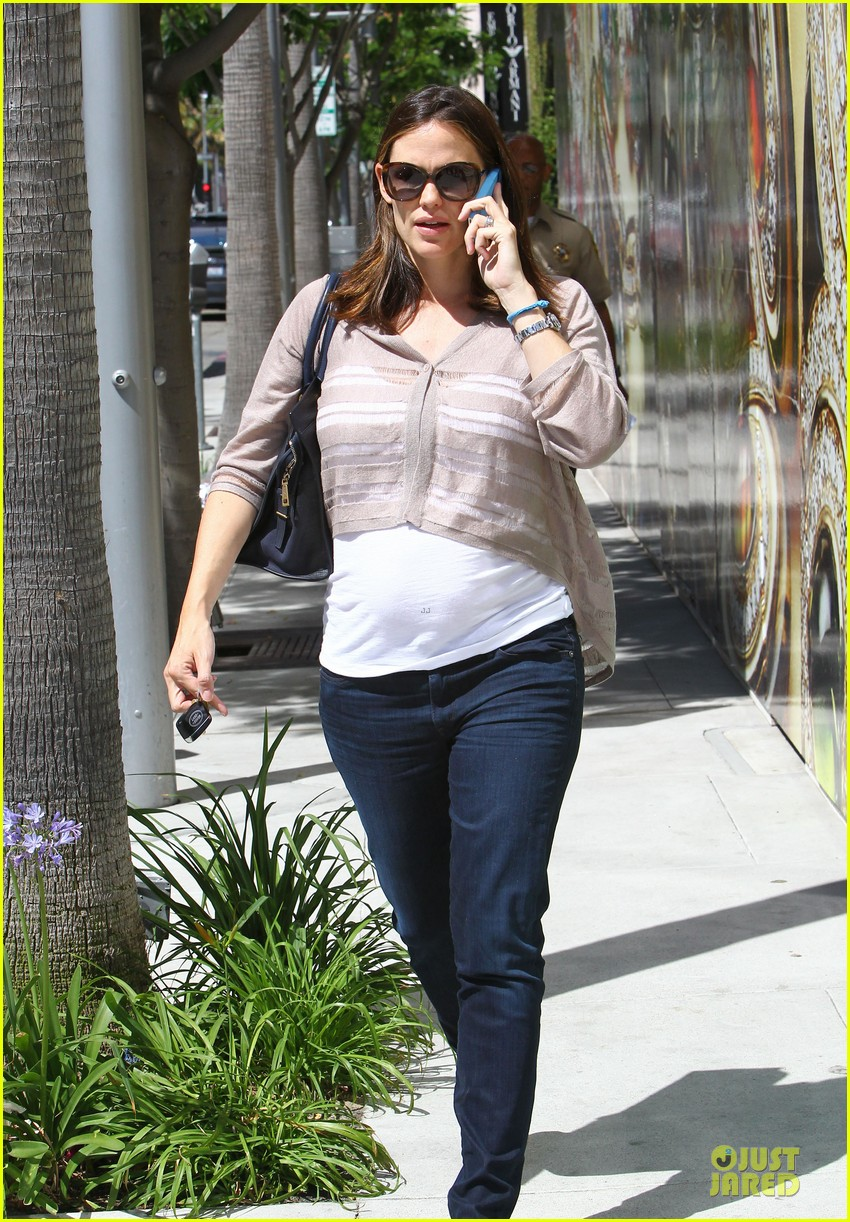 jennifer garner walks talks 10