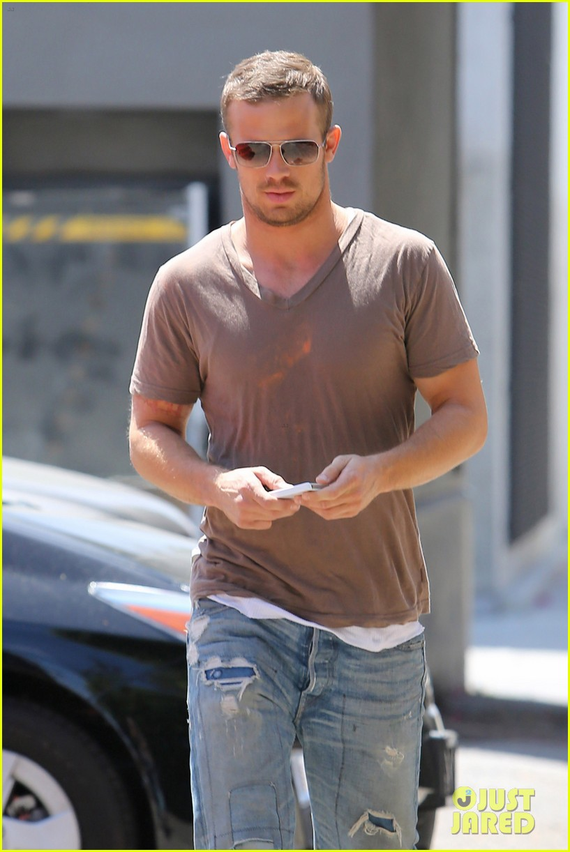 cam gigandet toast lunch 07