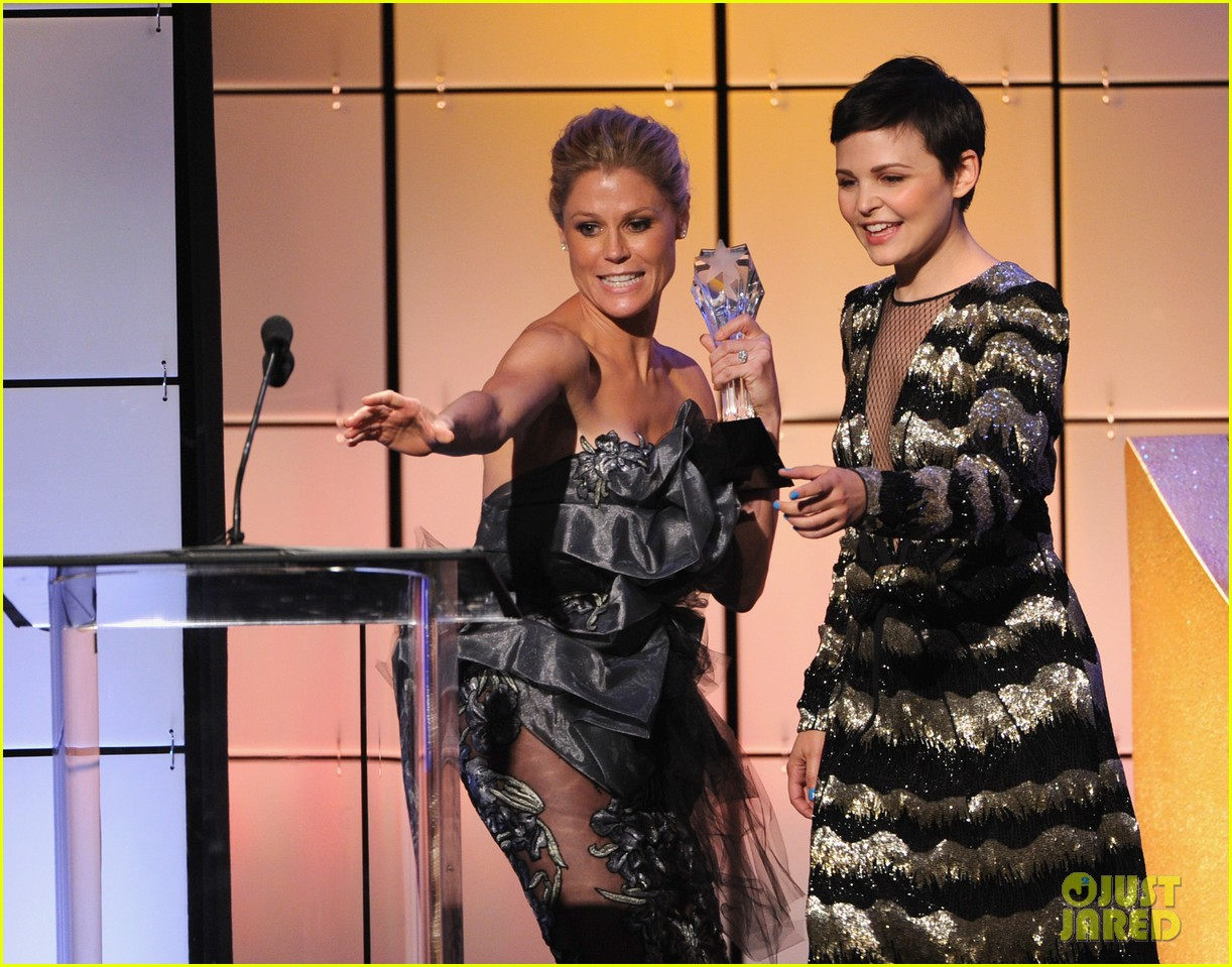 ginnifer goodwin critics choice television awards presenter 11