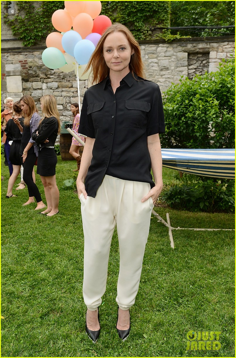 anne hathaway stella mccartney dinner with adam shulman 21