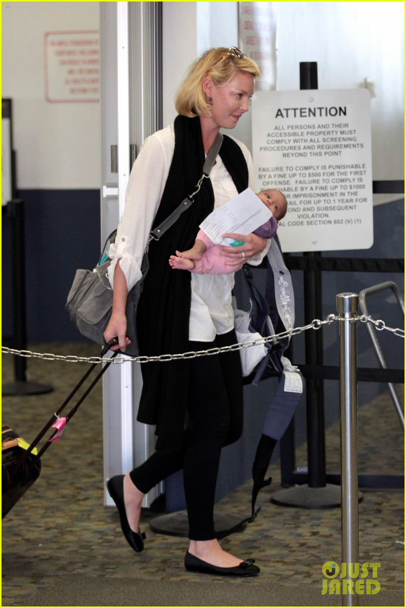 katherine heigl flying with adalaide 06