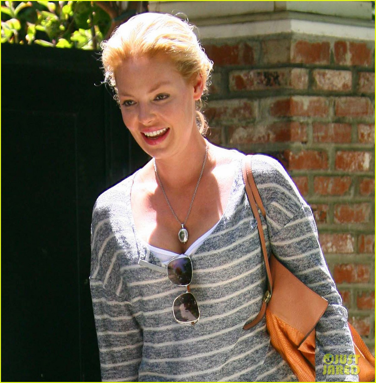 katherine heigl stepping out 04