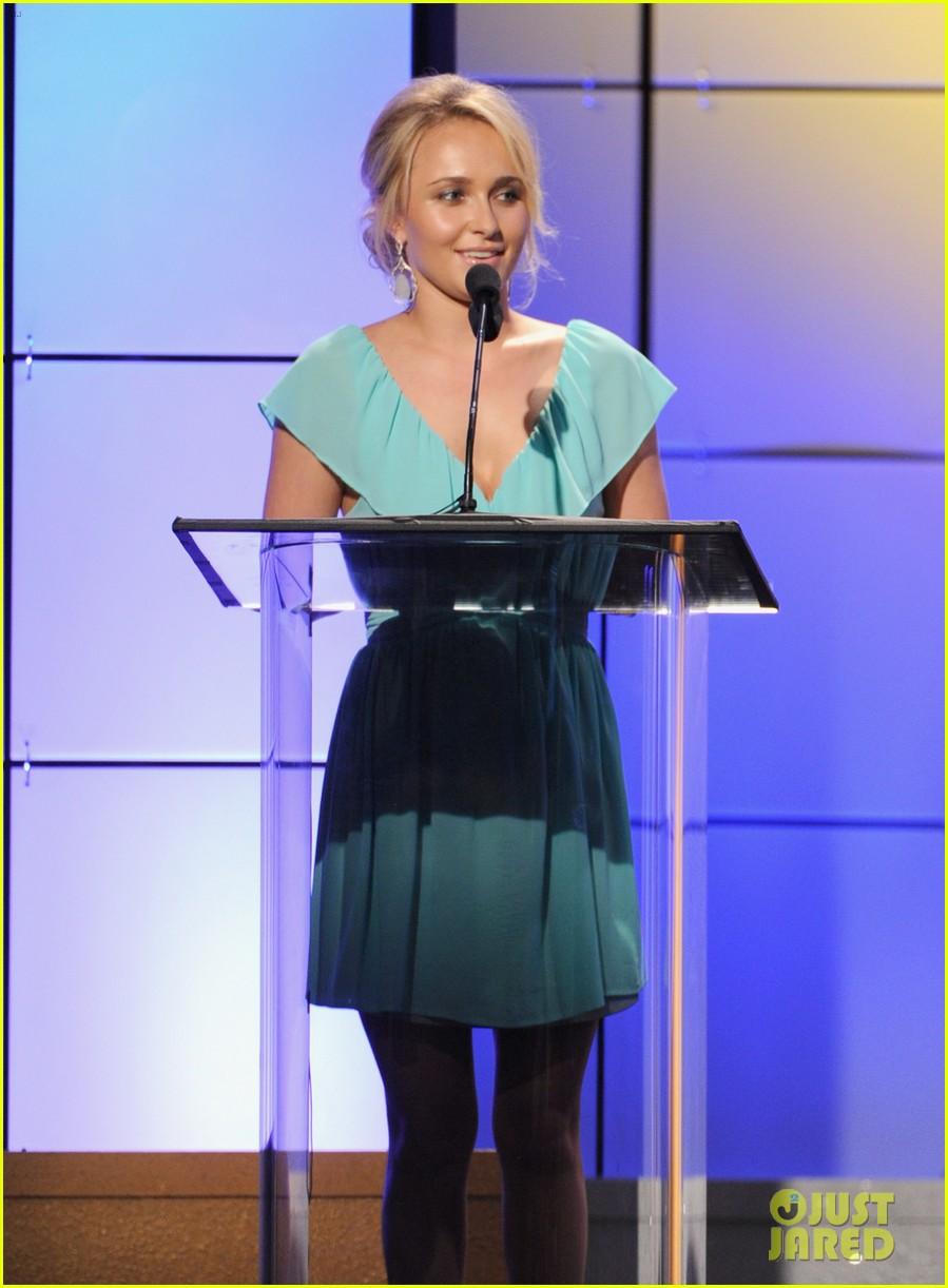 christina hendricks emmy rossum critics choice tv awards 05