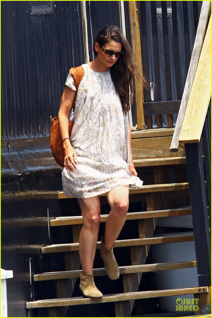 katie holmes suri helicopter nyc 01