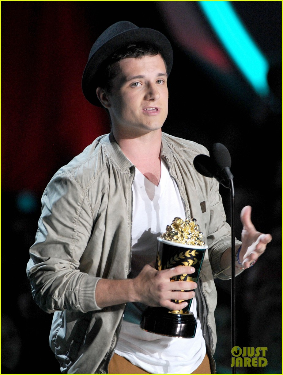 hutcherson mtv awards 12