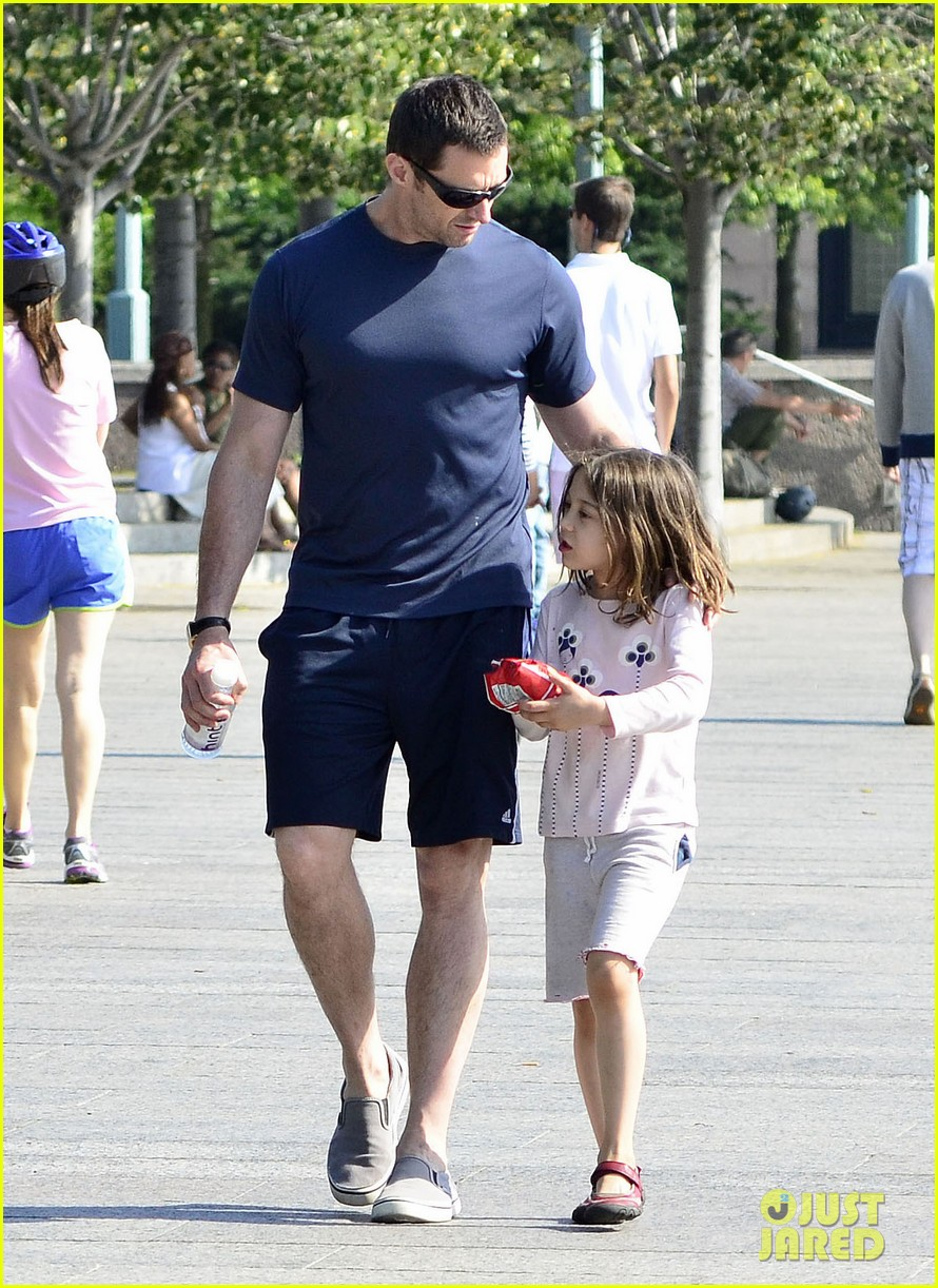 hugh jackman fathers day walk 01