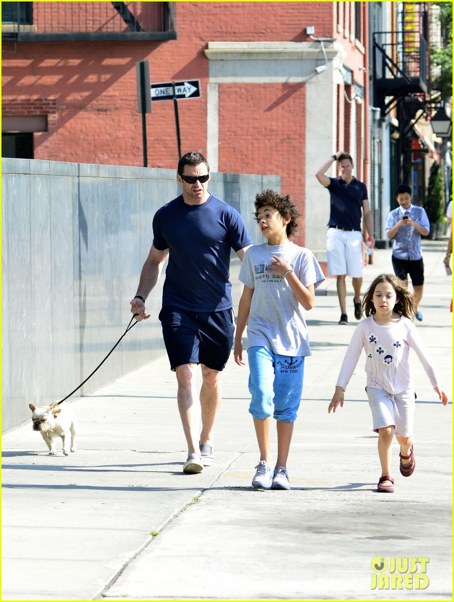 hugh jackman fathers day walk 09