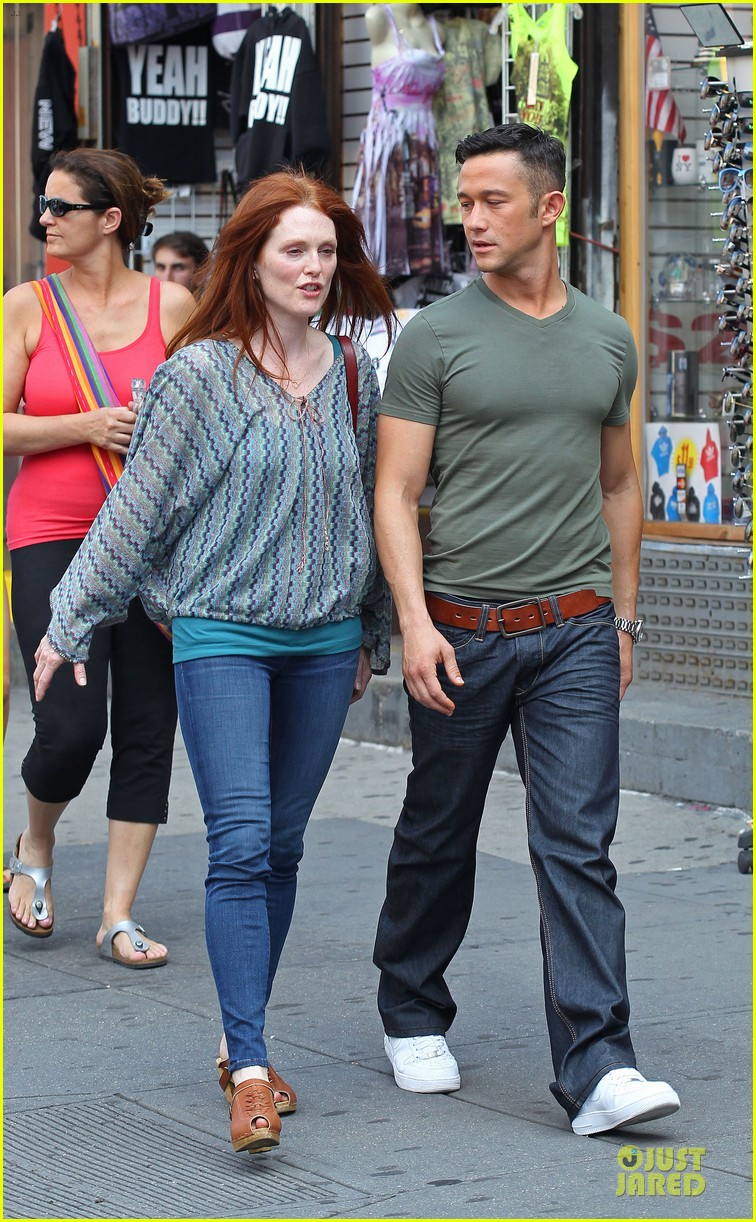 joseph gordon levitt julianne moore daughter 052680928