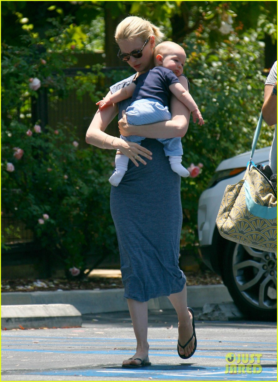 january jones pasadena with xander 16