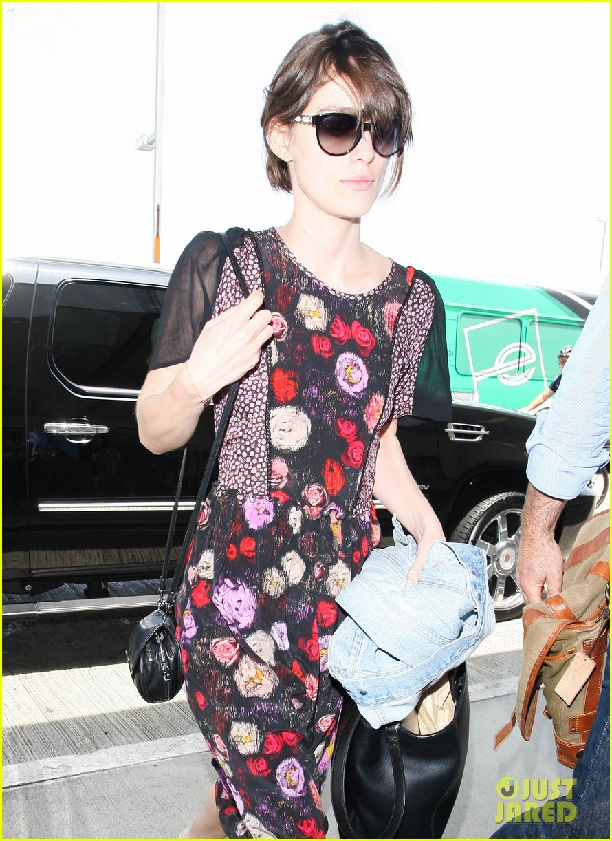 keira knightley leaving lax 09
