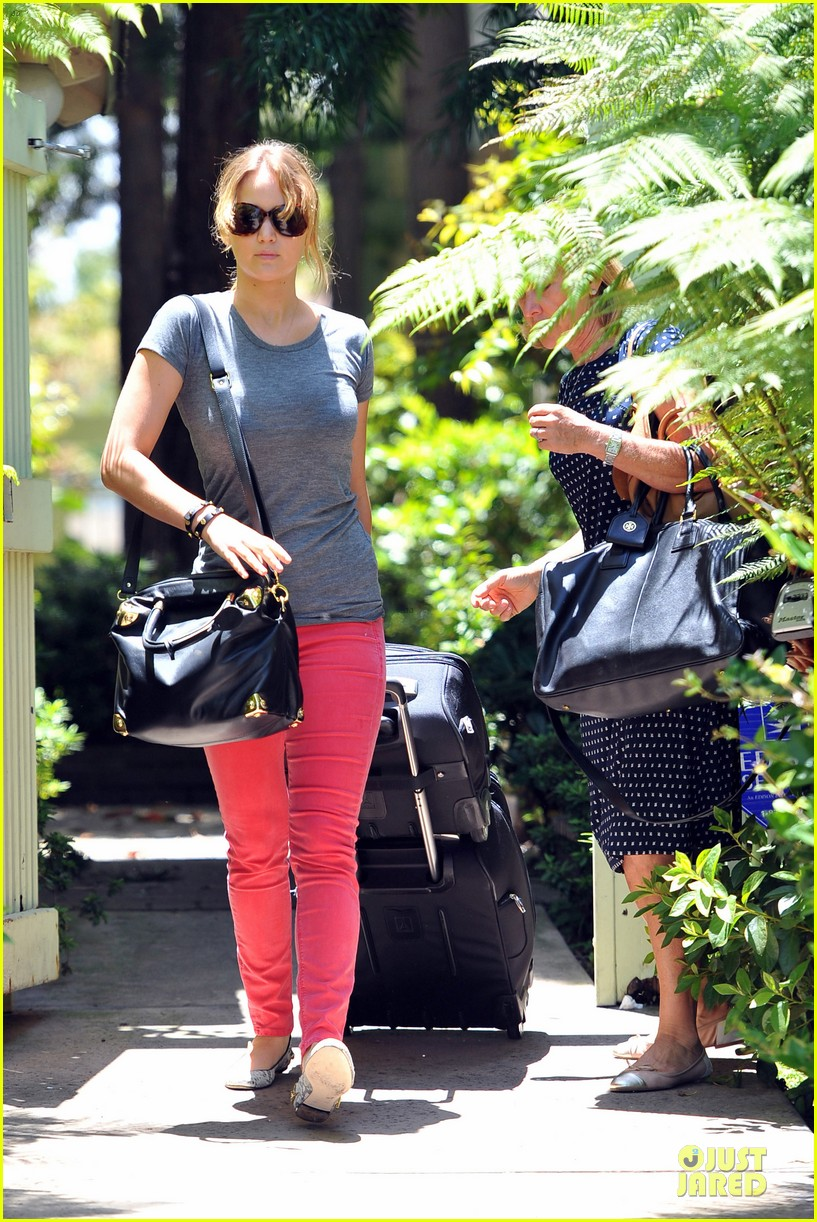 jennifer lawrence luggage 10