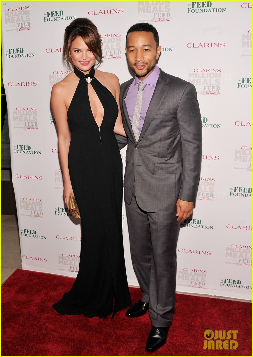 john legend chrissy teigen clarins million meals concert 07
