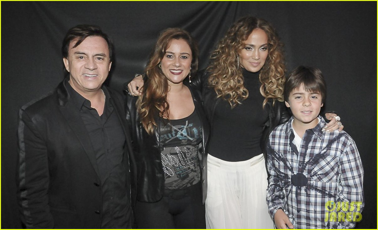 Jennifer lopez brazil meet greet photo 2678785 jennifer jennifer lopez brazil meet greet photo 2678785 jennifer lopez pictures just jared kristyandbryce Image collections