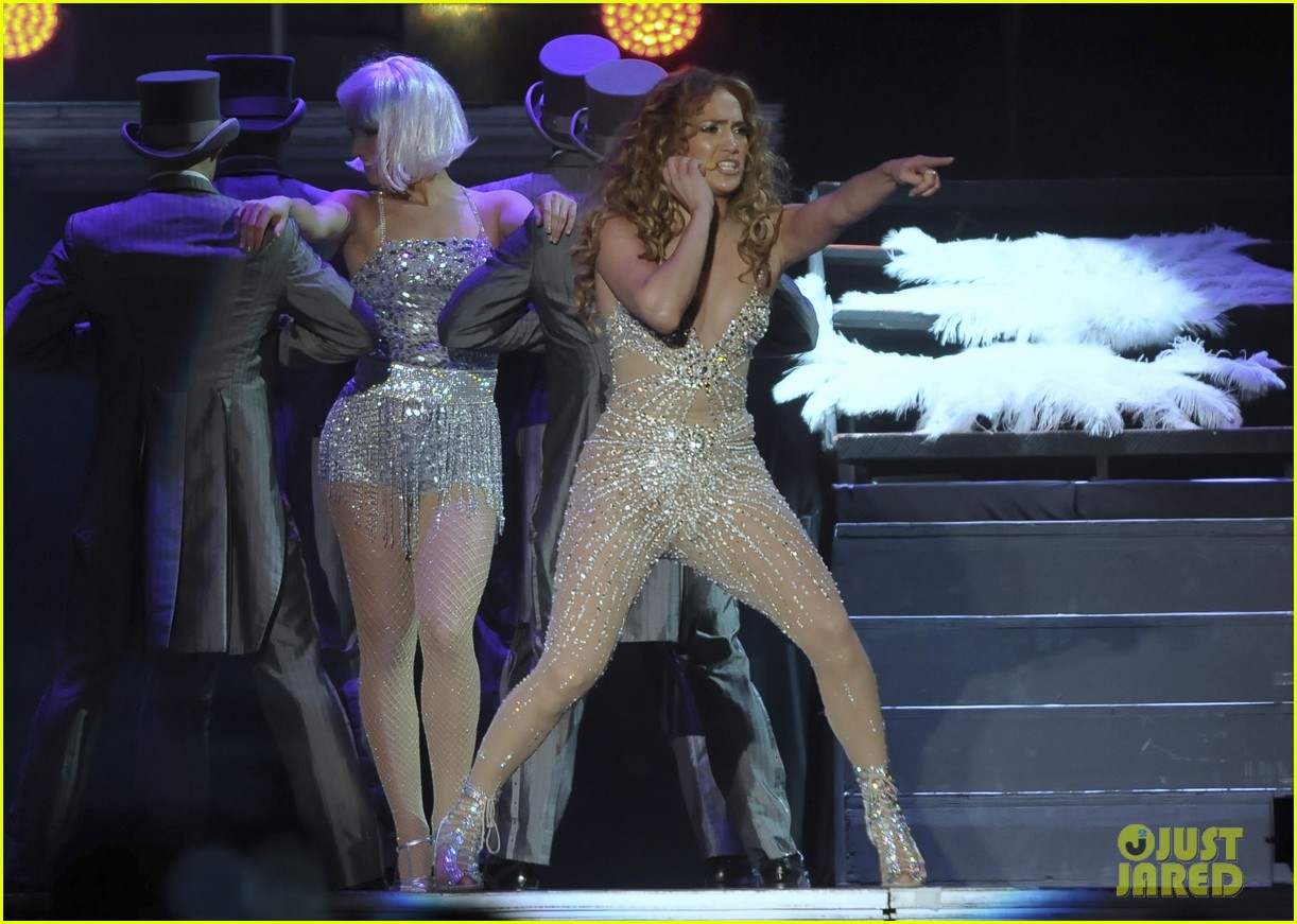 jennifer lopez pop music festival 19