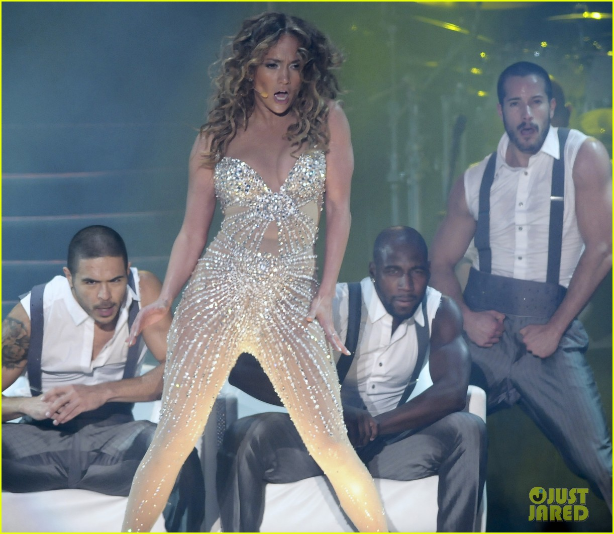 jennifer lopez pop music festival 23