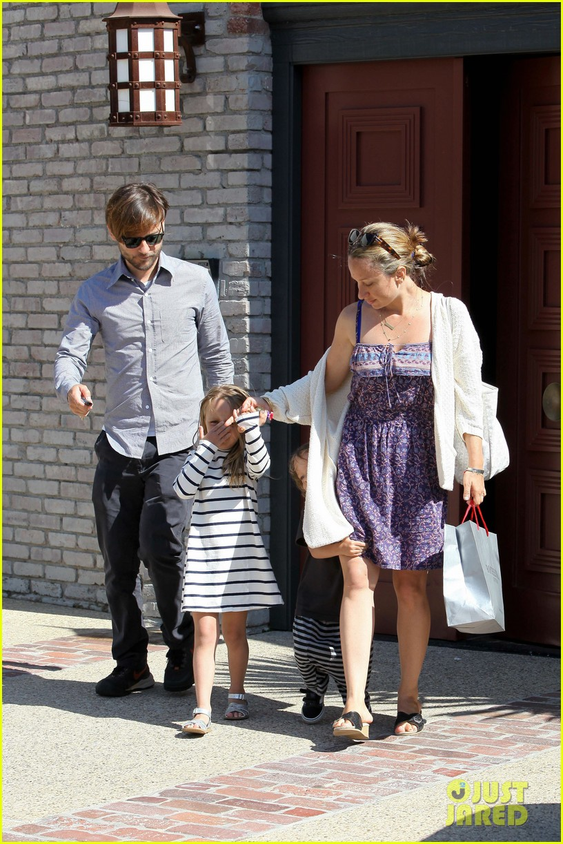 tobey maguire fathers day party 10