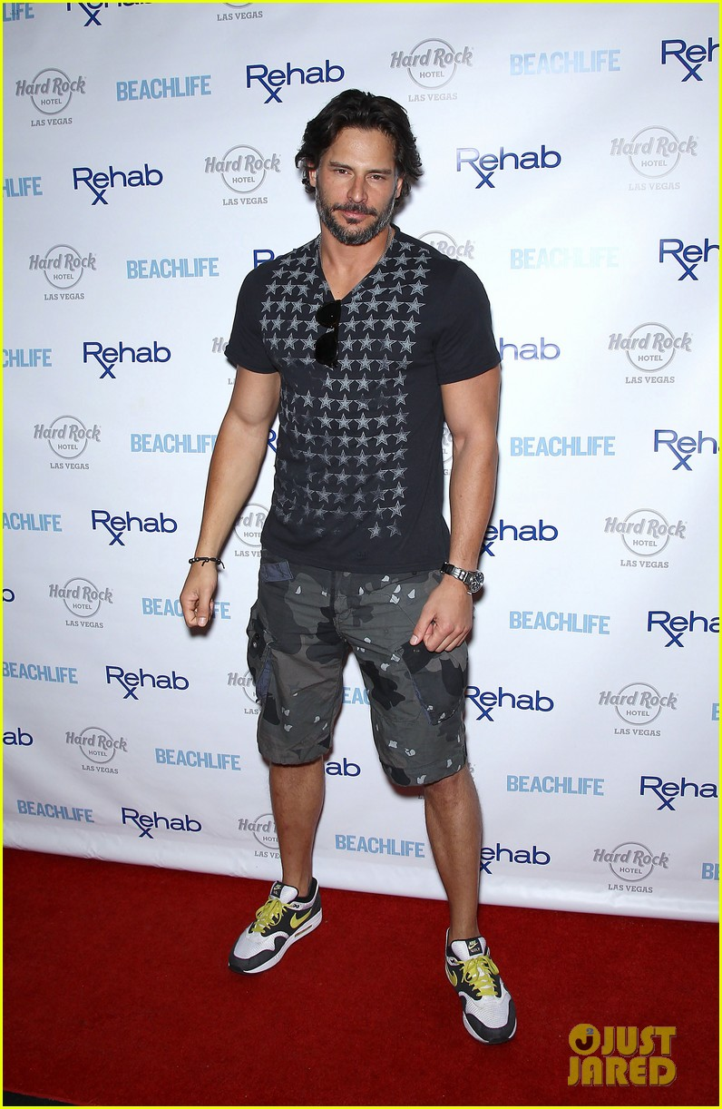 joe manganiello i love being able to tell a story physically 05