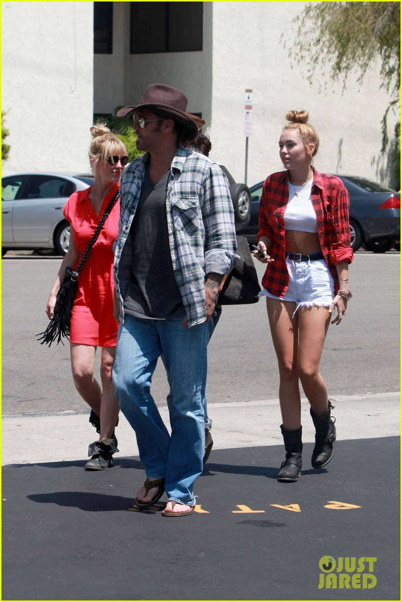 miley cyrus patys lunch 05