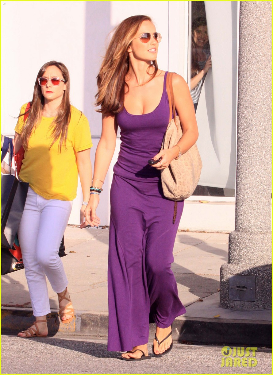 minka kelly leaving byron tracy 12