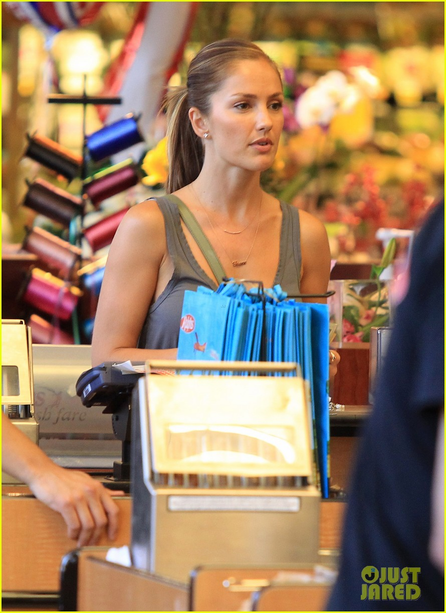minka kelly ralphs grocery 08